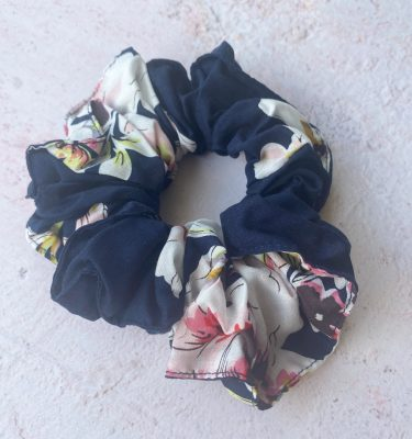 navy_hair_scrunchie