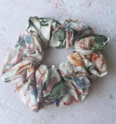 scrunchie_white_miss_lilly